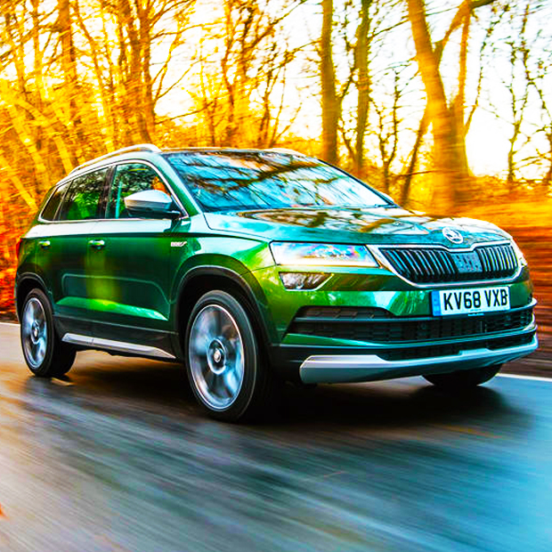 skoda karoq estate personal car leasing deals uk lingscars. Black Bedroom Furniture Sets. Home Design Ideas
